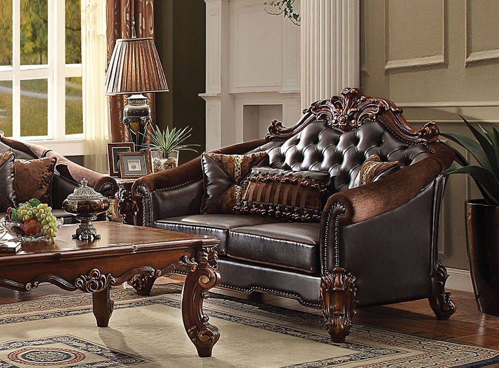 Porchia Traditional Style Leather Sofa